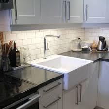 Beale Touchless Kitchen Faucet From American Standard Wins Kitchen Cuisine Kitchen Faucet Robinet De Cuisine Perla