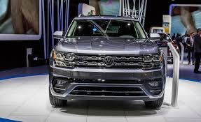 vw atlas 2018 volkswagen atlas pictures photo gallery car and driver