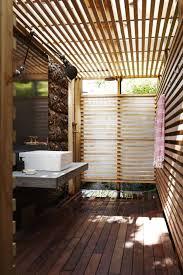 desain kamar mandi transparan 15 inspirasi desain kamar mandi outdoor bernuansa alam nan segar
