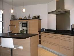 cuisine couleur bois cuisine couleur bois galerie et cuisine bois et noir des photos