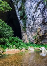 pictures son doong u2013 the largest natural cave in the world