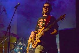 Gordon Light Adam Gordon Online Session Multi Instrumentalist Bass Guitar