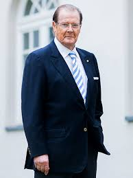 roger moore roger moore controversy over idris elba and james bond people com