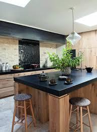 cuisine bois design cuisine rustique idée déco cuisine ancienne marie claire
