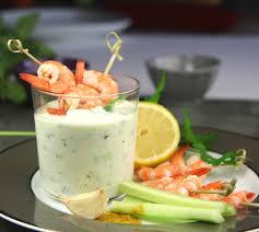cuisine plus fr recettes sauce au yaourt au concombre curry et coriandre recette recette