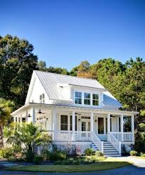 Small Cottage Homes 25 Best White Cottage Ideas On Pinterest Cottages Cottage And