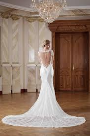 brautkleider mit schleppe hochzeitskleid rückenfrei mit langer schleppe kleiderfreuden