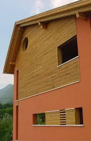 rivestimento facciate in legno gufler referenze casa bifamigliare