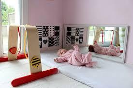 chambre bébé montessori maman nougatine espace et activités d éveil pour bébé 0 3 mois