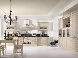 cuisine blanc cassé design interieur cuisine bois classique armoires bois massif blanc