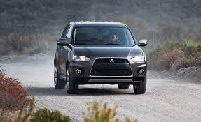 outlander mitsubishi 2006 2010 mitsubishi outlander gt u2013 instrumented test u2013 car and driver