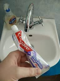 Toothpaste Meme - how my girlfriend leaves the toothpaste every morning