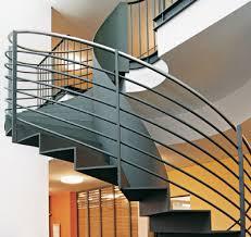 treppen aus metall querstreben stahl wohnideen treppen treppe und