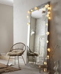 schlafzimmer spiegel zimmer einrichtungsideen großer spiegel mit leuchten