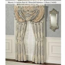 Waterfall Comforter Windsor Fleur Medallion Comforter Bedding By J Queen New York