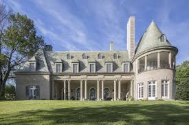 gatsby mansion great gatsby mansion listed for 17 million by big short icon