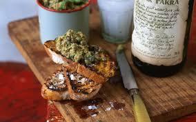 caille cuisine toasts à la tapenade et oeufs de caille cuisine et recettes