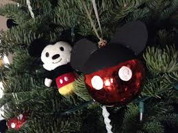 diy mickey ornament using black acrylic paint white paint