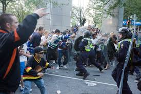 oh canada photos and videos of vancouver riots crossing broad