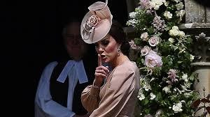 kate middleton adorably shushes prince george u0026 princess charlotte