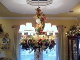 Christmas Decoration For Chandelier by 196 Best Decorating Chandeliers Images On Pinterest Chandeliers