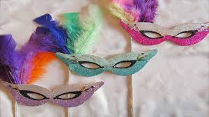 diy mardi gras style masks with fine glitter fast version