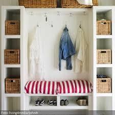 wohnideen flur kleiderschrank die besten 25 flur schrank ideen auf garderobe