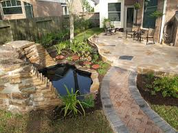 Modern Front Yard Desert Landscaping With Palm Tree And Garden Stunning Small Front Yard Landscape Design Small Front