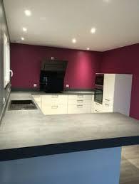 cuisine mur et gris cuisine blanc laqué mur gris et prune hotte falmec parquet