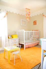 frise pour chambre bébé frise de plafond idée chambre de bébé chambres