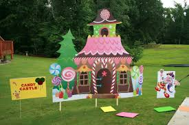 they made their entire yard into a candy land board game for a