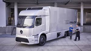 mercedes commercial trucks daimler to do pilot run of mercedes e trucks