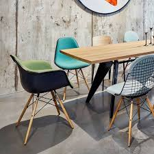 Vitra Eames Armchair 17 Best Vitra Eames Plastic Chairs Images On Pinterest Armchairs