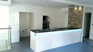 peindre meuble cuisine laqué meuble de cuisine blanc laque laqu peinture peindre ikea meu