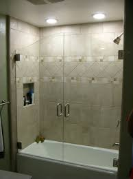 Sliding Bathtub Shower Doors Innovative Sliding Tub Shower Doors With Shower Enclosures