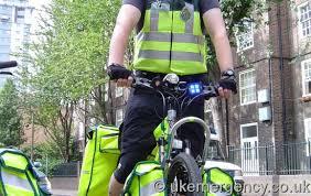 use of amber lights on vehicles blue light use uk emergency vehicles