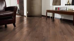 kaindl 8mm premium orlando oak laminate flooring 34242 av