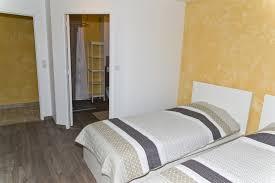chambre 2 lits chambre n 2 avec 2 lits simples et salle d eau privative rdc le