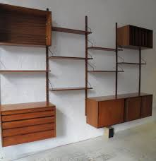 wall mounted shelving units with doors http gagnant59 com
