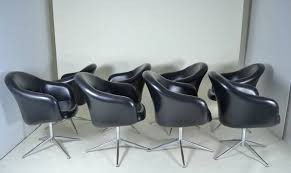 Swivel Dining Chair Set Of 8 Barrel Swivel Dining Chairs Circa 1970s At 1stdibs