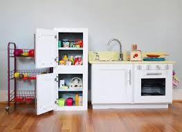 making a play refrigerator from an old cabinet kitchen