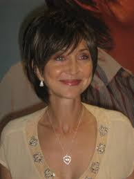 pic of pam tillis hair pam tillis wish i could pull this off hair