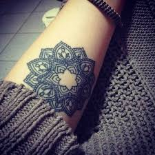 mandala tattoo zum aufkleben 25 arm tattoo ideas for girls and women 1 tattoo ideas pinterest