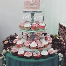 wedding cake semarang velvet cake cupcake semarang velvet smg instagram photos and