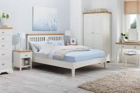 amazon com 4pc solid pine queen size bed complete merry white wood bedroom furniture amazon cleaning solid sets my in