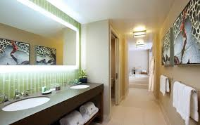 Eco Friendly And Simple Bi Level Suite Bathroom Interior Design Of Bathroom Design San Diego