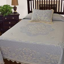 Bedspreads And Coverlets Quilts Bedroom Fascinating Matelasse Bedspread For Bed Covering Idea
