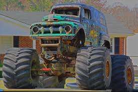 original grave digger monster truck monster truck jpg wikimedia commonsrhcommonswikimediaorg image