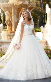 pictures of wedding dress lace and tulle ballgown wedding dress dress me pretty