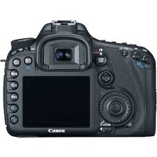 amazon com canon eos 7d 18 mp cmos digital slr camera body only